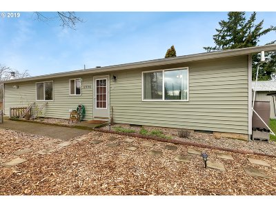 Portland Single Family Home For Sale: 8006 SE 64th Ave