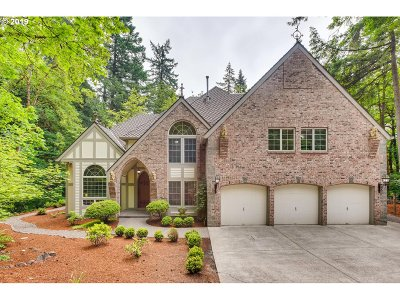 Lake Oswego Single Family Home For Sale: 15203 Lily Bay Ct