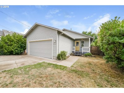Newberg Single Family Home For Sale: 1010 S Pacific St