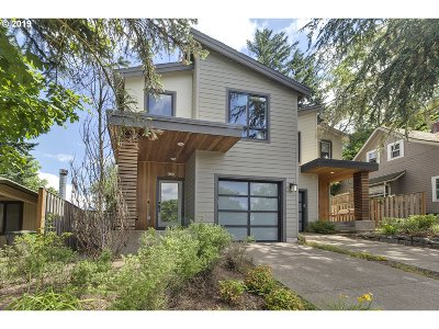Portland Condo/Townhouse For Sale: 8558 SW 20th Ave