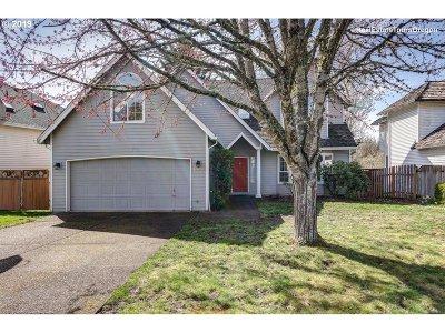 Beaverton Single Family Home For Sale: 17380 NW Bernard Pl