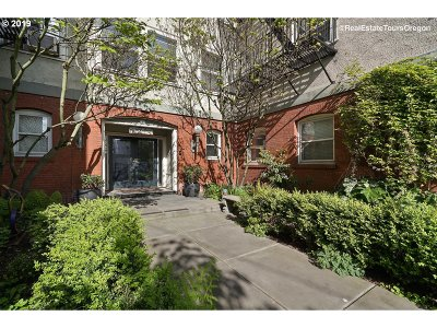 Portland Condo/Townhouse For Sale: 731 SW King Ave #18