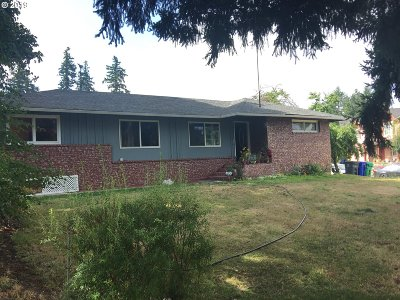 Single Family Home For Sale: 1752 NW Burnside Rd
