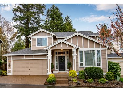 Lake Oswego Condo/Townhouse For Sale: 14446 Holly Springs Rd
