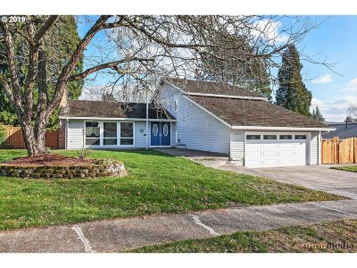 Beaverton Single Family Home For Sale: 14656 NW Forestel Loop