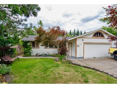 Cottage Grove Single Family Home For Sale: 49 S R St