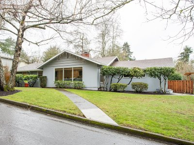 Lake Oswego Single Family Home For Sale: 1410 Spruce St