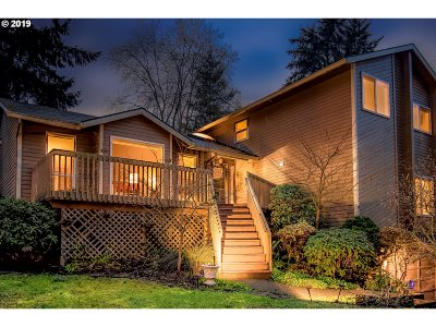 West Linn Single Family Home For Sale: 2750 Summit Pl