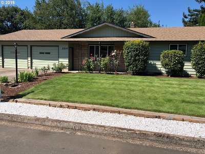 Springfield Single Family Home For Sale: 2700 5th St