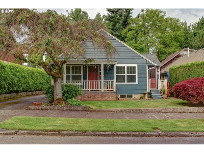 Portland Single Family Home For Sale: 1615 NE 76th Ave
