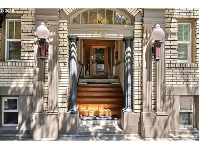 Multnomah County Condo/Townhouse For Sale: 2087 NW Overton St #404