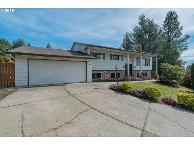 Happy Valley Single Family Home Pending: 10744 SE 99th Dr