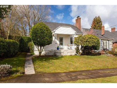 Portland Single Family Home For Sale: 6039 NE 24th Ave