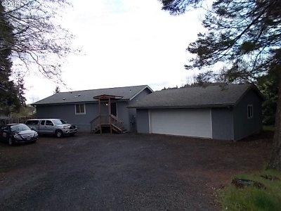 Coos Bay Single Family Home For Sale: 93759 Bay Park Ln