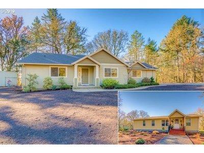 Single Family Home For Sale: 19045 NE Kings Grade
