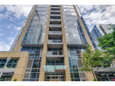 Portland Condo/Townhouse For Sale: 3570 SW River Pkwy #1711
