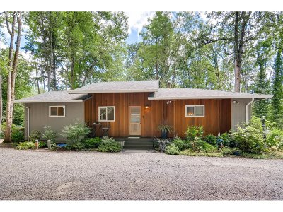 Lake Oswego Single Family Home For Sale: 15776 Inverurie Rd