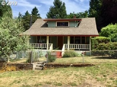 Milwaukie Single Family Home For Sale: 1425 SE Maple St