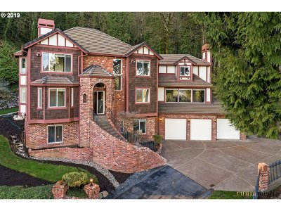 Lake Oswego Single Family Home For Sale: 1300 Glenmorrie Dr
