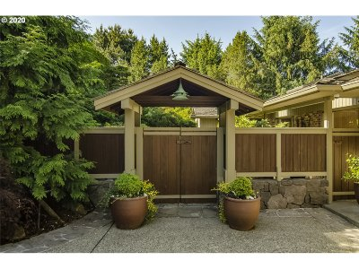 Portland Single Family Home For Sale: 4318 SW Fairview Circus