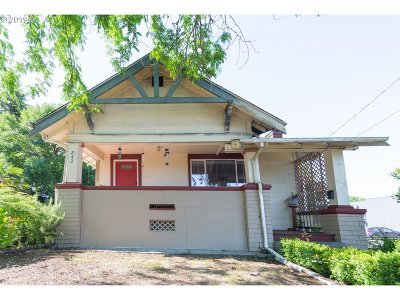 McMinnville Single Family Home For Sale: 842 SE 1st St