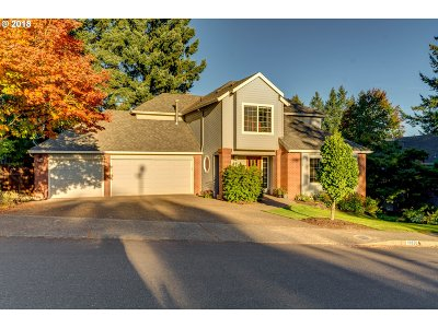 West Linn Single Family Home For Sale: 19820 Suncrest Dr