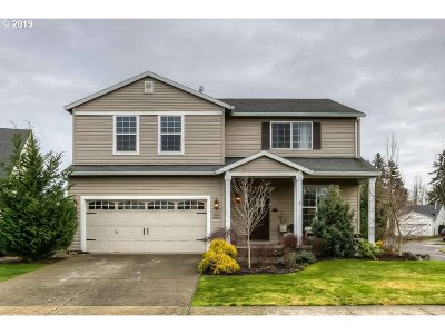 Woodburn Single Family Home For Sale: 2574 Edgewater Dr