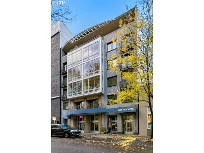 Portland Condo/Townhouse For Sale: 327 NW Park Ave #1B