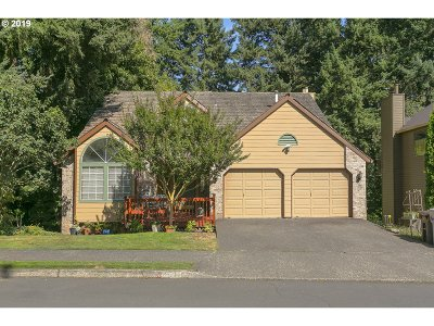West Linn Single Family Home For Sale: 2327 Athena Rd