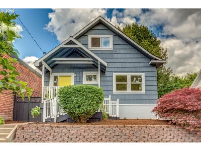 Portland Single Family Home For Sale: 1723 SE Harney St