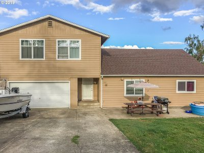 Hucrest Single Family Home For Sale: 1563 NW Grove St