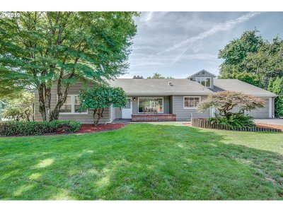 Milwaukie Single Family Home For Sale: 16307 SE Harold Ave