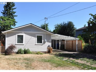 Milwaukie, Gladstone Single Family Home For Sale: 7011 SE Overland St