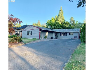 Tigard Single Family Home For Sale: 7770 SW Taylors Ferry Rd