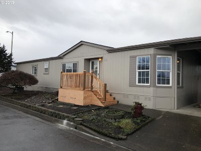 Newberg Single Family Home For Sale: 1000 Wilsonville Rd #66