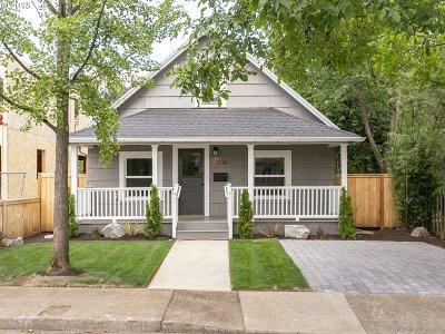 Portland Single Family Home For Sale: 5126 SE 87th Ave