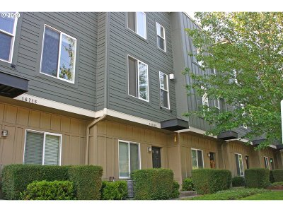 Condo/Townhouse For Sale: 16705 SW Baseline Rd