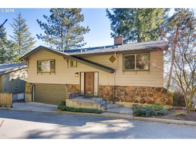 Portland Single Family Home For Sale: 3100 NW Valle Vista Ter