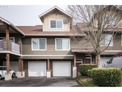 Vancouver Condo/Townhouse For Sale: 10800 SE 17th Cir #G88