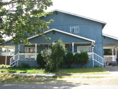 Cowlitz County Multi Family Home For Sale: 905 N 10th Ave