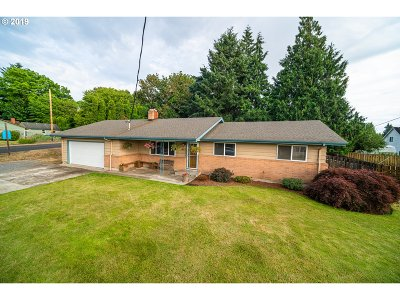 Ridgefield Single Family Home For Sale: 813 Pioneer St
