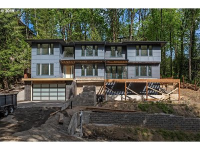 Portland Single Family Home For Sale: 605 SW 48th Dr