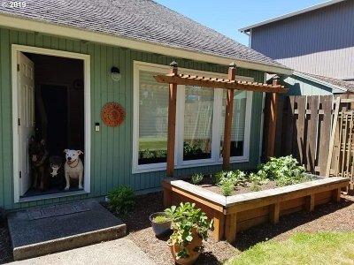 Portland Single Family Home For Sale: 16639 SE Naegeli Dr