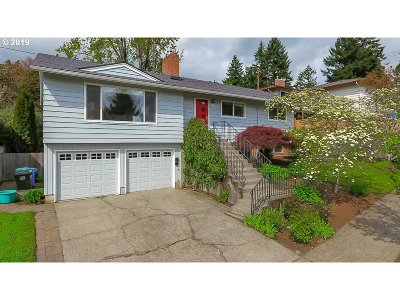 Portland Single Family Home For Sale: 7128 SW 12th Dr