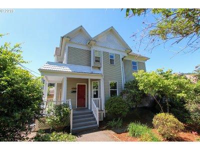 Single Family Home For Sale: 7824 SE Alder St