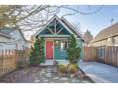 Single Family Home For Sale: 8809 N Drummond Ave