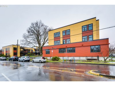 Condo/Townhouse For Sale: 2525 N Killingsworth St #213