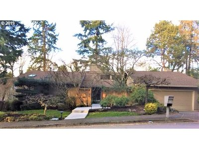Lake Oswego Single Family Home For Sale: 17 Westridge Dr