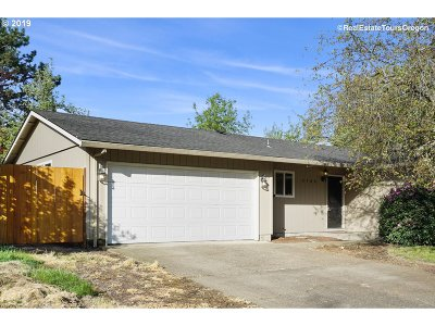 Newberg Single Family Home For Sale: 3708 Vittoria Way