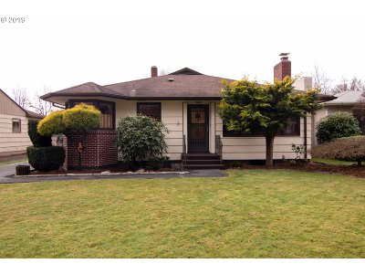 Cowlitz County Single Family Home For Sale: 1419 18th Ave